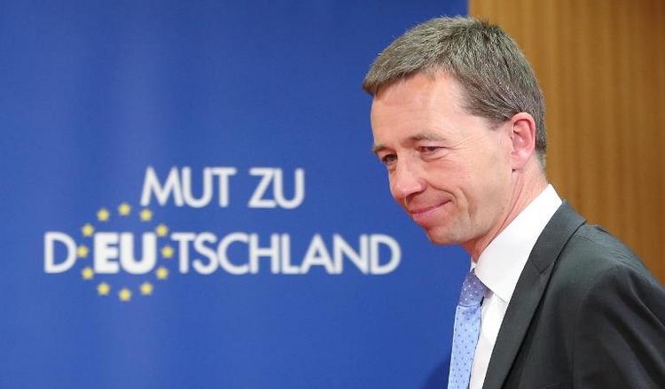 CDU-Politiker Bosbach tritt offenbar mit AfD-Chef auf (© 2014 AFP)
