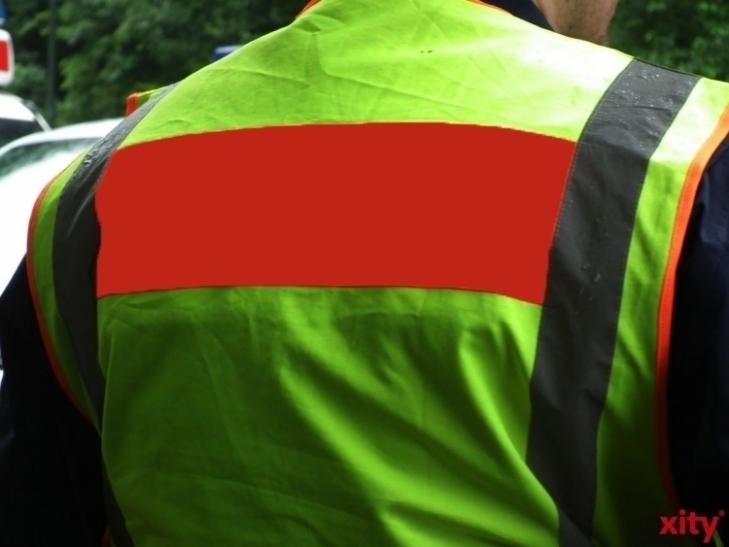 Warnweste ab 1. Juli für alle Autofahrer Pflicht (xity-Foto: M. Völker)