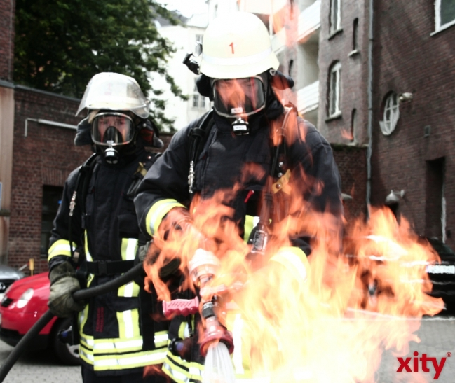 Brand in Krefelder Dachgeschosswohnung. (xity-Foto: M. Völker)