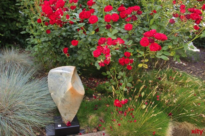 Auch ein Garten mit Skulpturen gehört zur Ausstellungsfläche (xity-Foto: P. Basarir)