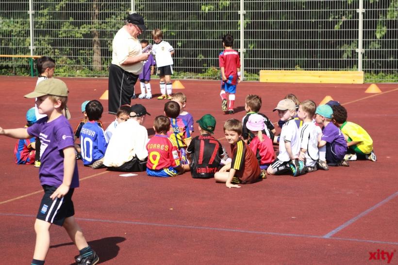Diesen Sommer findet die 9. kostenlose Fußballschule des DJK AGON 08 statt (xity-Foto: D. Mundstock)
