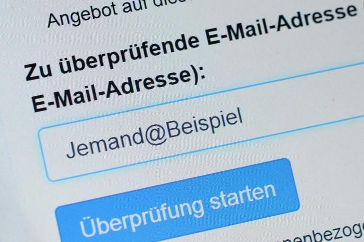 BSI warnt erneut vor gefälschten Mails (© 2014 AFP)