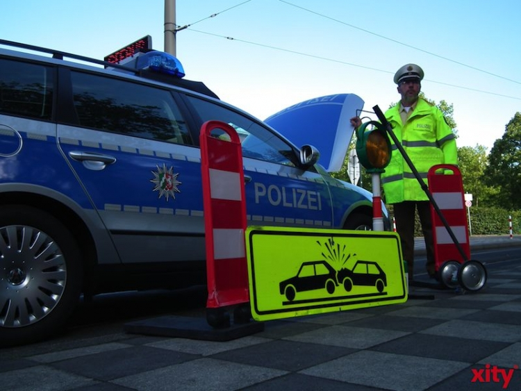 Verkehrsunfall-Bilanz auf der Rheinkniebrücke (xity-Foto: M. Völker)