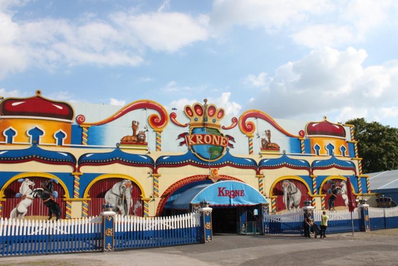 """Der """"Circus Krone"""" gastiert zurzeit auf dem Krefelder Sprödentalplatz. (xity-Foto: E. Aslanidou)"""