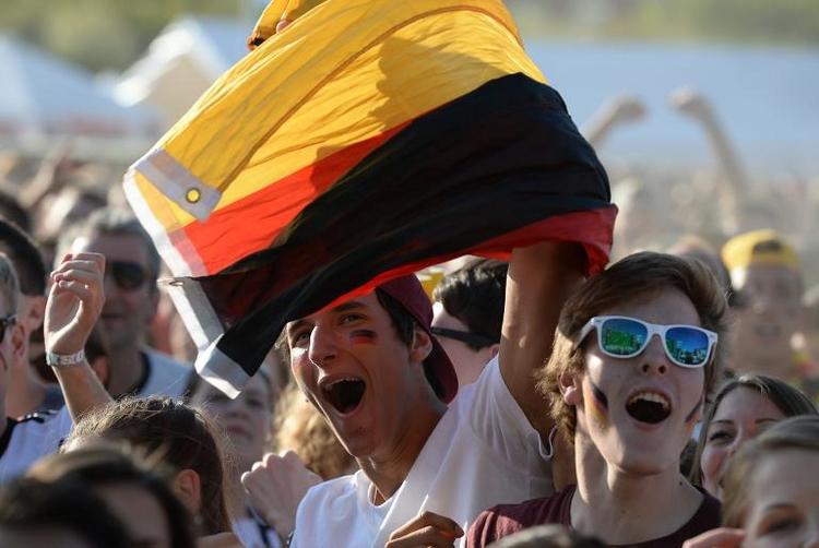 Fanmeilen zum Deutschland-Sieg wieder gerammelt voll (© 2014 AFP)
