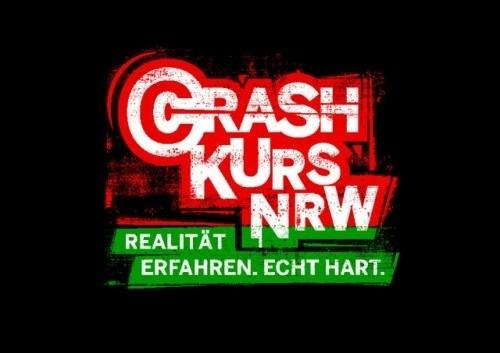 Im Krefelder Seidenweberhaus nahm bei einer der größten Crash-Kurs-Veranstaltungen in Nordrhein-Westfalen am Donnerstag, dem 26. Juni 2014 der insgesamt 5000´ste Schüler teil. (Foto: Polizei Krefeld)