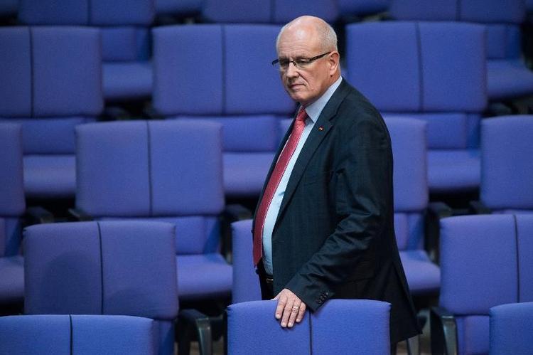 Kauder fordert Vertragstreue von SPD ein (© 2014 AFP)