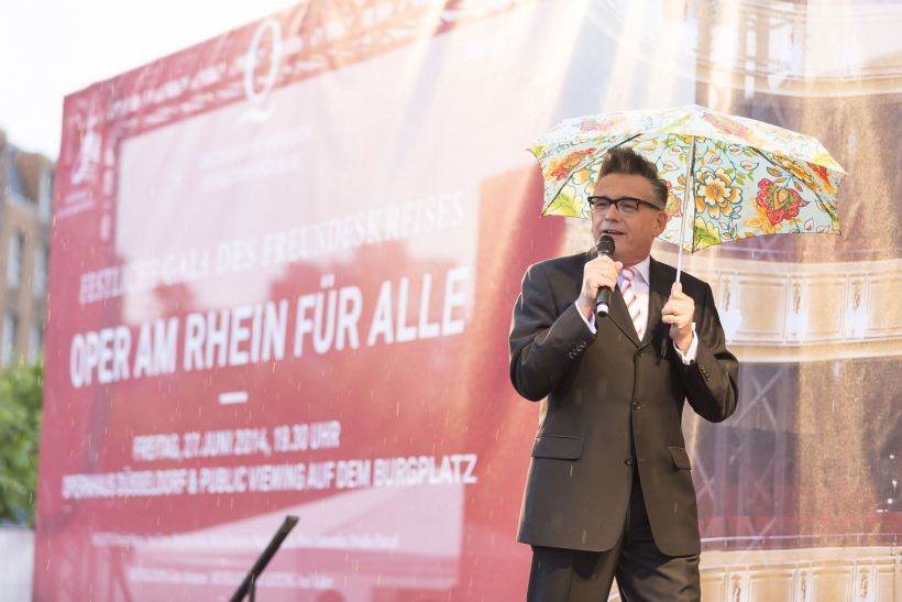 Götz Alzmann moderierte das Programm (Foto: Sascha Kreklau)