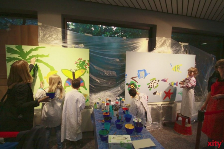An die Pinsel, in die Farbe ? los! - heißt es in der Kinderwerkstatt im VHS Biogarten (xity-Foto: D. Mundstock)