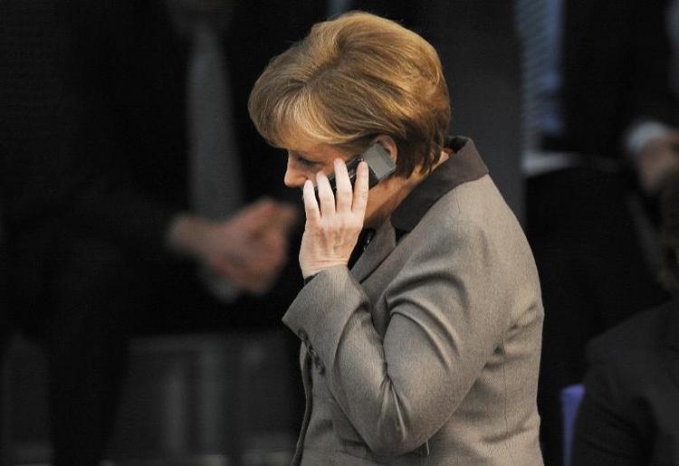 Auch neues Handy von Merkel angeblich nicht abhörsicher (© 2014 AFP)