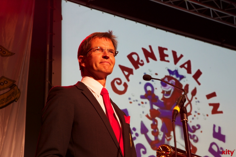 CC Präsident Josef Hinkel kündigte das Prinzenpaar an (xity-Foto: D. Creutz)