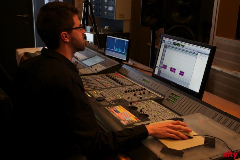 Ein Workshop fand im Tonstudio des Fachbereichs statt (xity-Foto: D. Creutz)