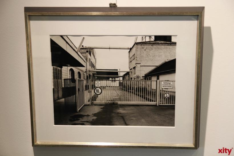 Ihre Schwarz/Weiß-Aufnahmen zeigen den Wandel des Düsseldorfer Hafens (xity-Foto: P. Basarir)