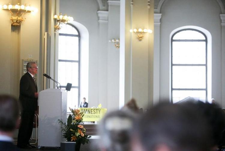 Gauck geht mit Europas Flüchtlingspolitik ins Gericht (© 2014 AFP)