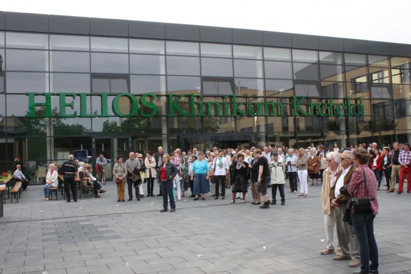 Nach fünf Jahren Bauzeit und 200 Millionen Baukosten präsentierte sich das Helios Klinikum Krefeld mit seinen neuen Bauten. (xity-Foto: E. Aslanidou)