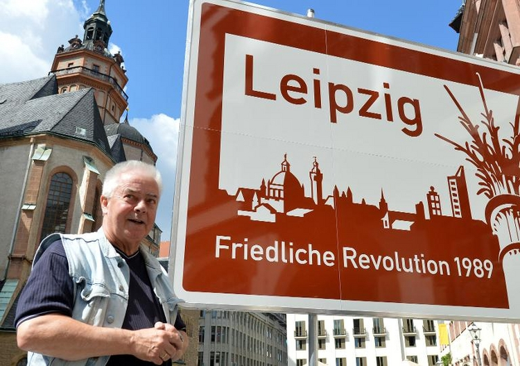 Leipziger Pfarrer Christian Führer gestorben (© 2014 AFP)