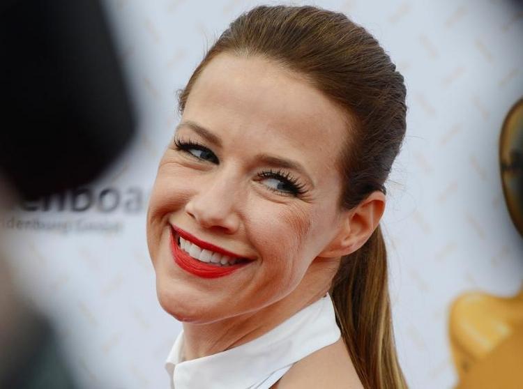 """Schauspielerin Neldel schaut """"immer nur nach vorn"""" (© 2014 AFP)"""