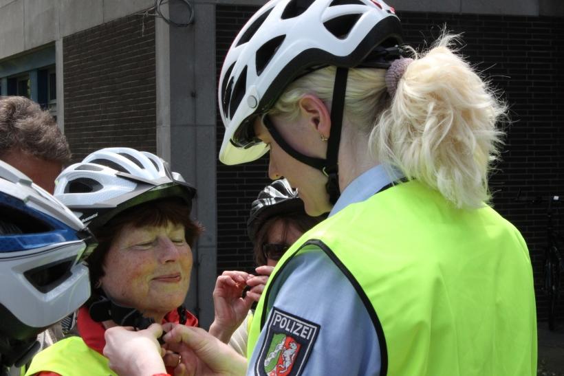 Die jeweiligen Gegebenheiten können aktiv erlebt werden, die Polizei erläutert Gefahren und gibt Tipps zum richtigen Verhalten. (xity-Foto: E. Aslanidou)