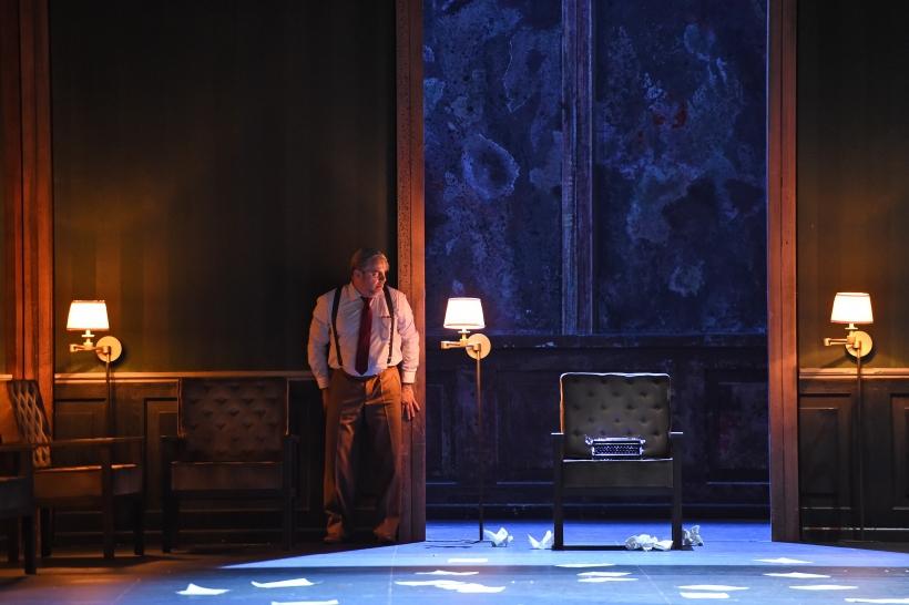 Raymond Very spielt den Schriftsteller Gustav von Aschenbach (Foto: Hans Jörg Michel)