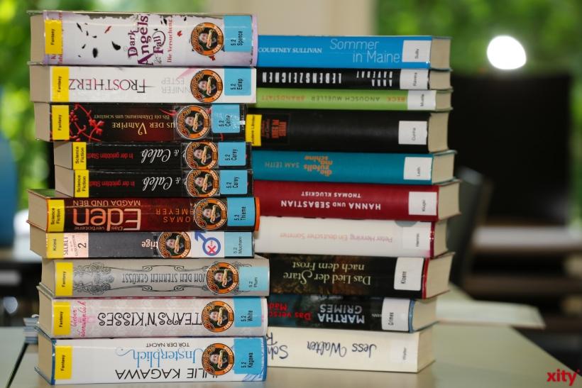 Diese Bücher wiegen knapp 9 Kilo (xity-Foto: D. Creutz)