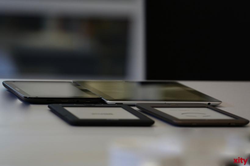 Ein e-Book-Reader oder Tablet gerade mal ein paar Gramm (xity-Foto: D. Creutz)