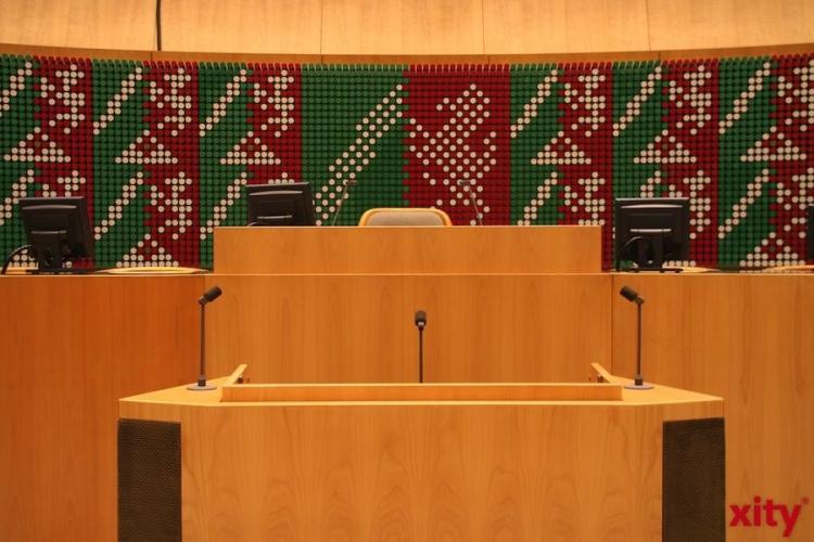 Beamtenbesoldung als Reizthema im Landtag NRW (xity-Foto: M. Völker)