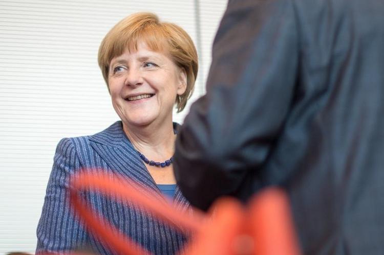 Merkel wieder beliebteste Politikerin - vor Steinmeier (© 2014 AFP)
