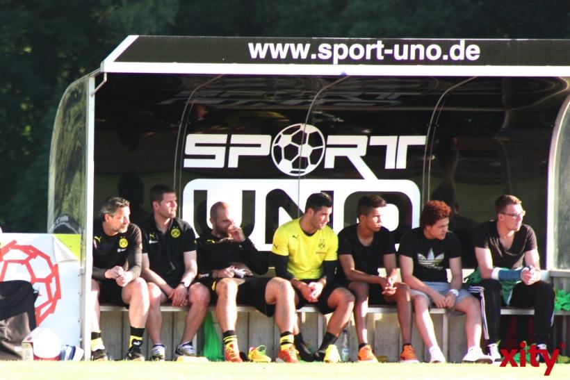 Die prominent besetzte Bank der U23 der Schwarz-Gelben. (xity-Foto: A.Meyer)
