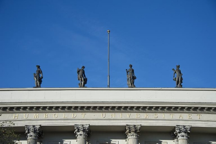 Förderprogramm soll Anteil von Professorinnen erhöhen (© 2014 AFP)