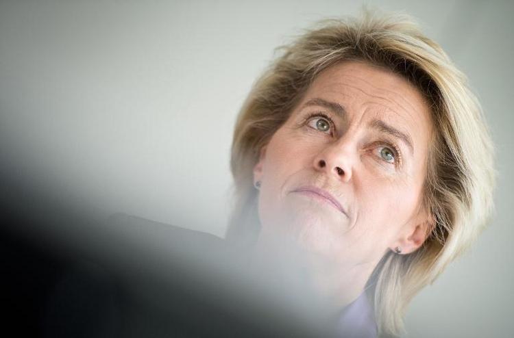 SPD-Fraktionschef offen für Debatte über Kampfdrohnen (© 2014 AFP)