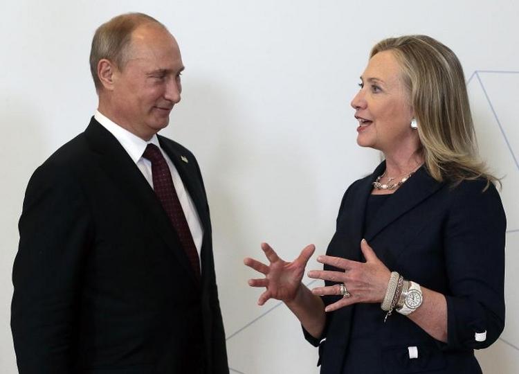 """Hillary Clinton: """"Putin kann gefährlich sein"""" (© 2014 AFP)"""