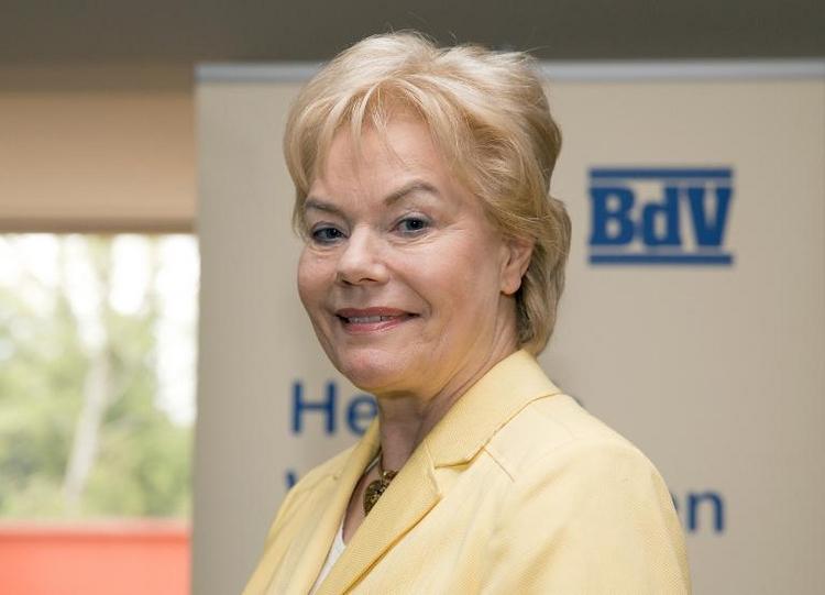 Erika Steinbach gibt Amt als Vertriebenen-Präsidentin ab (© 2014 AFP)