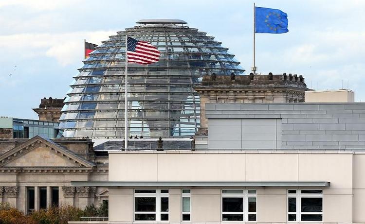 Regierung bemüht sich um Aufklärung von Spionagefall  (© 2014 AFP)