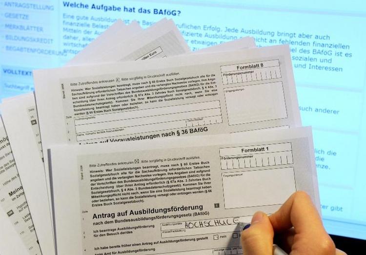 SPD verlangt mehr Geld für Bafög-Erhöhung (© 2014 AFP)