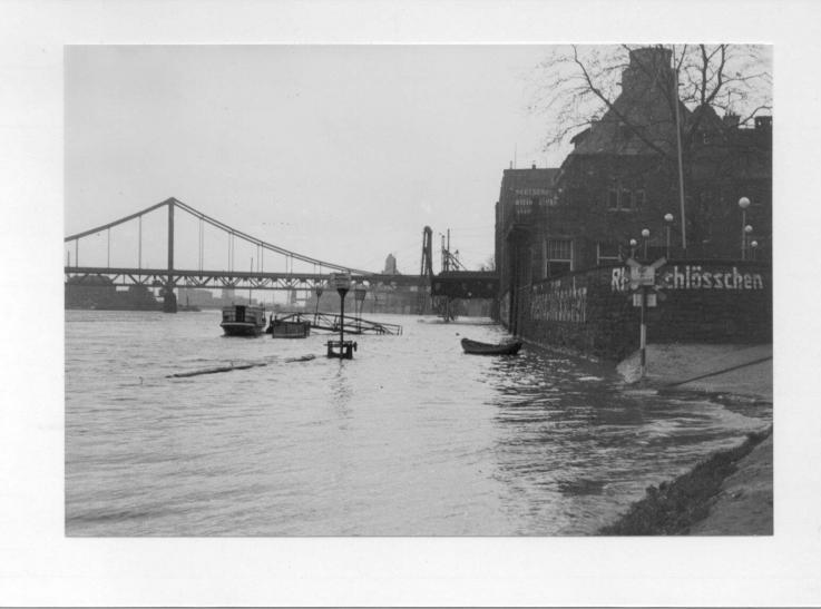 Hochwasser bedrohte seit Jahrhunderten immer wieder Krefeld-Uerdingen. (Foto: Stadtarchiv Krefeld)