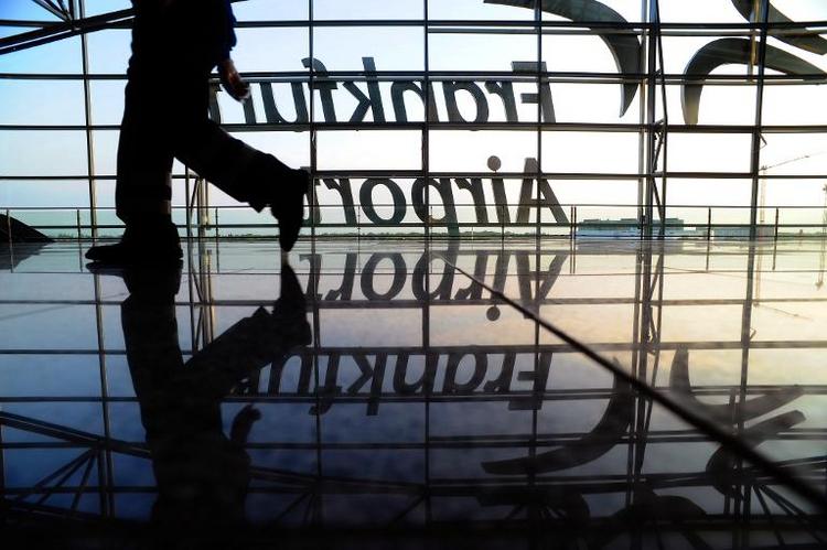 Flugausfälle am Flughafen Frankfurt durch Gewitter  (© 2014 AFP)