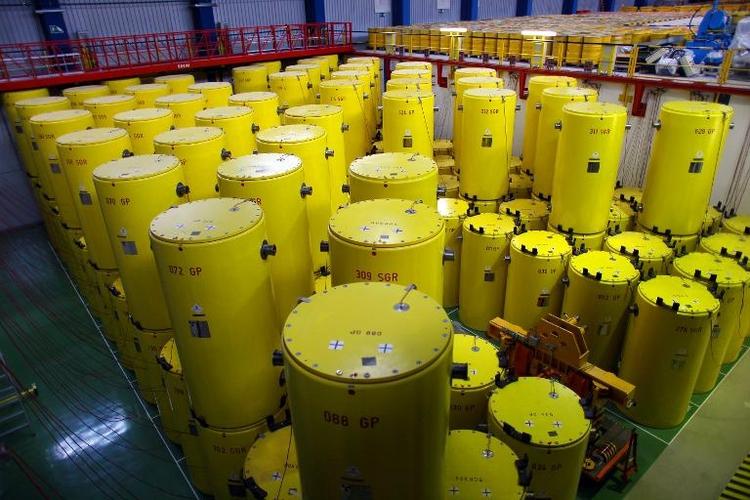 """Fast tausend """"heimliche"""" Atomtransporte seit Anfang 2012 (© 2014 AFP)"""