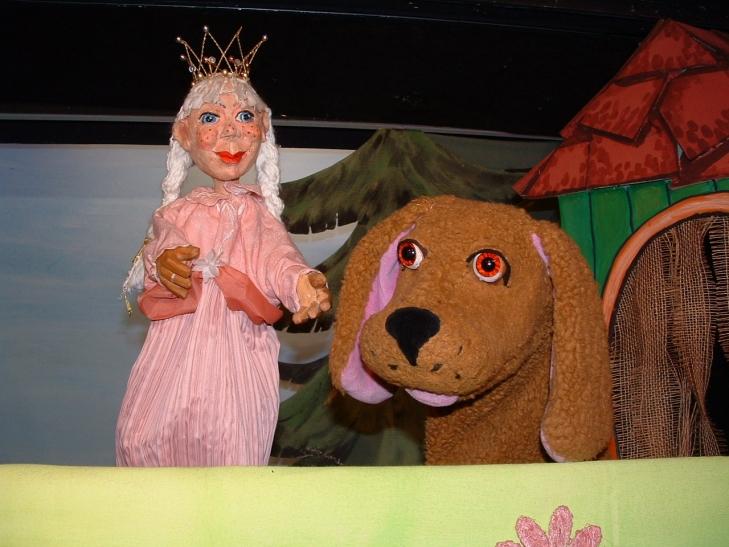 """In den Sommerferien spielt das Puppentheater Helmholtzstraße für kleine Theaterfans das Stück """"Prinzessin Lisabella"""" (Foto: Puppentheater Helmholtzstraße)"""