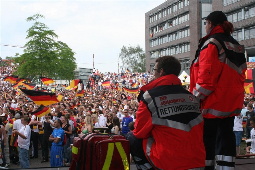 Johanniter-Einsatz zum Public Viewing in NRW (Foto: Johanniter-Unfall-Hilfe)
