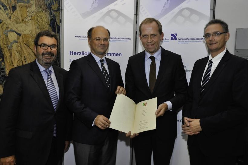 Geschäftsführer von Vallourec wird Honorarprofessor an der Hochschule Niederrhein. (Foto: Dr. Christian Sonntag)
