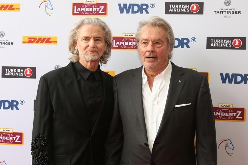 Alain Delon (rechts) mit Hermann Bühlbecker (Foto: CHIO Aachen/ Andreas Steindl)