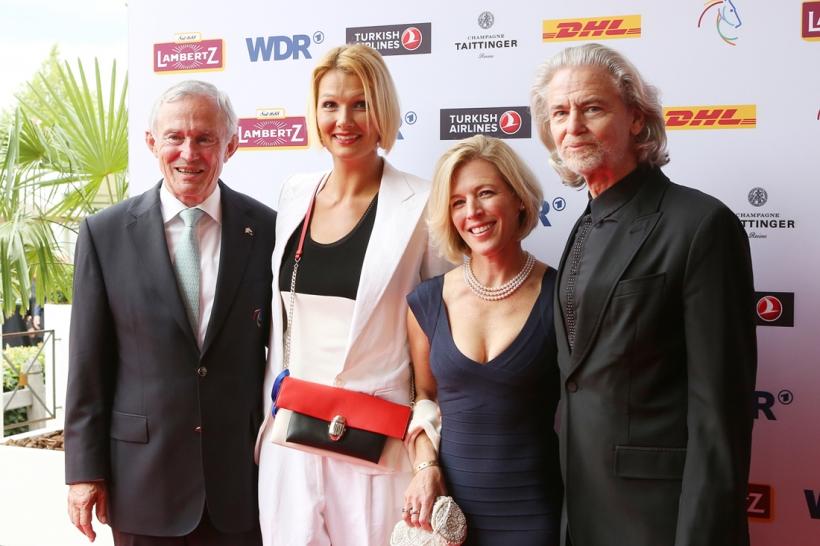 Carl Meulenbergh, Franziska van Almsick, Meredith Michaels-Beerbaum und Hermann Bühlbecker (Foto: CHIO Aachen/ Andreas Steindl)