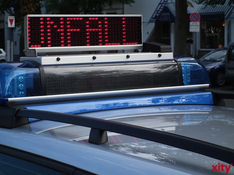 Verkehrsunfall im Baustellenbereich der A 42 (xity-Foto: M. Völker)