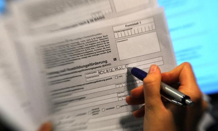Bafög-Empfänger bekommen ab 2016 deutlich mehr Geld (© 2014 AFP)