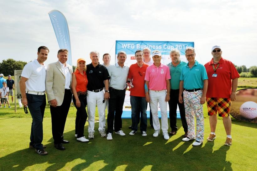 Organisatoren und Sponsoren mit Golflegende Bernhard Langer auf dem Rittergut Birkhof (Foto: Susanne Dobler)