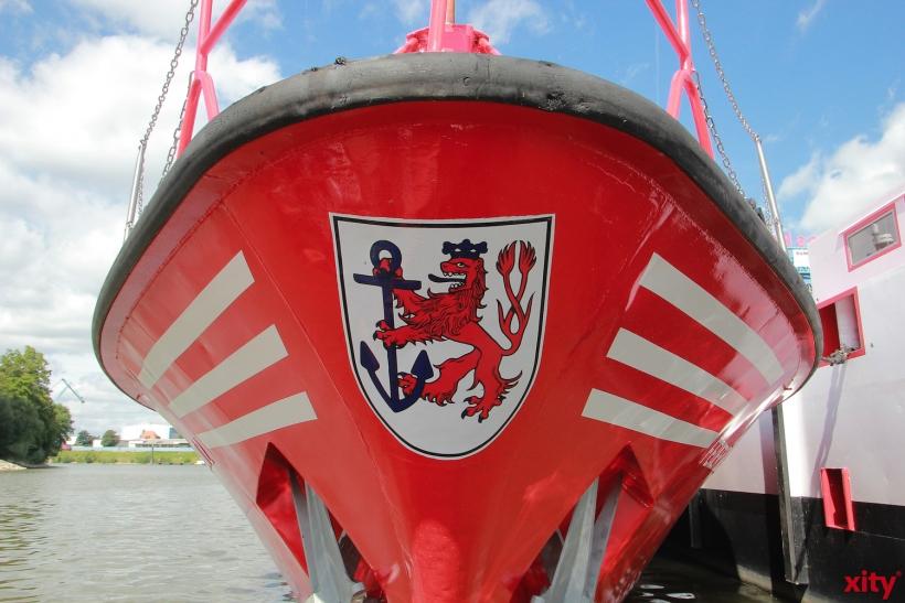 NRW-Wirtschaftsminister besucht Feuerlöschboot (xity-Foto: D. Postert)