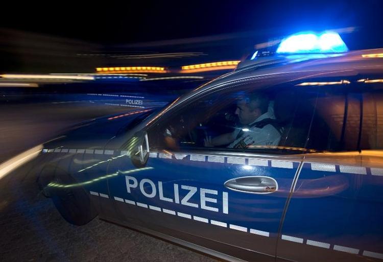Kölner Seniorenheim wird nach Bombenfund erneut geräumt (© 2014 AFP)