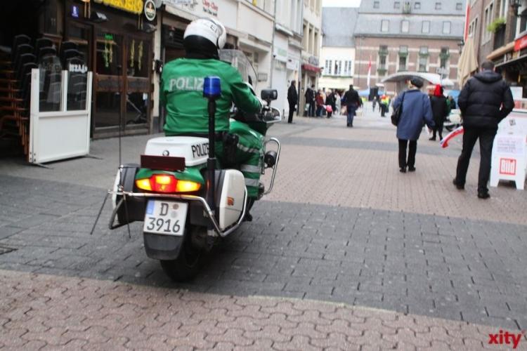 Festnahme nach räuberischem Diebstahl in Düsseldorf-Stadtmitte (xity-Foto: M. Völker)