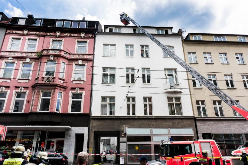 Am Montagmittag kam es auf der Ackerstraße zu einem Brand (Foto: Christian Steinmetz)