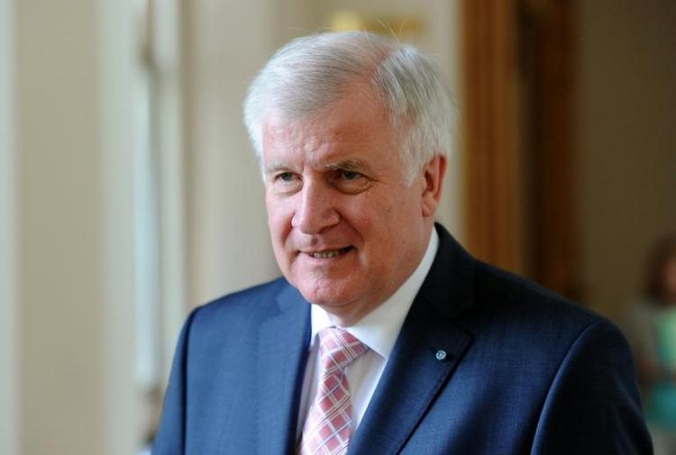 SPD-Vize wirft Seehofer Rumpelstilzchen-Gehabe vor (© 2014 AFP)